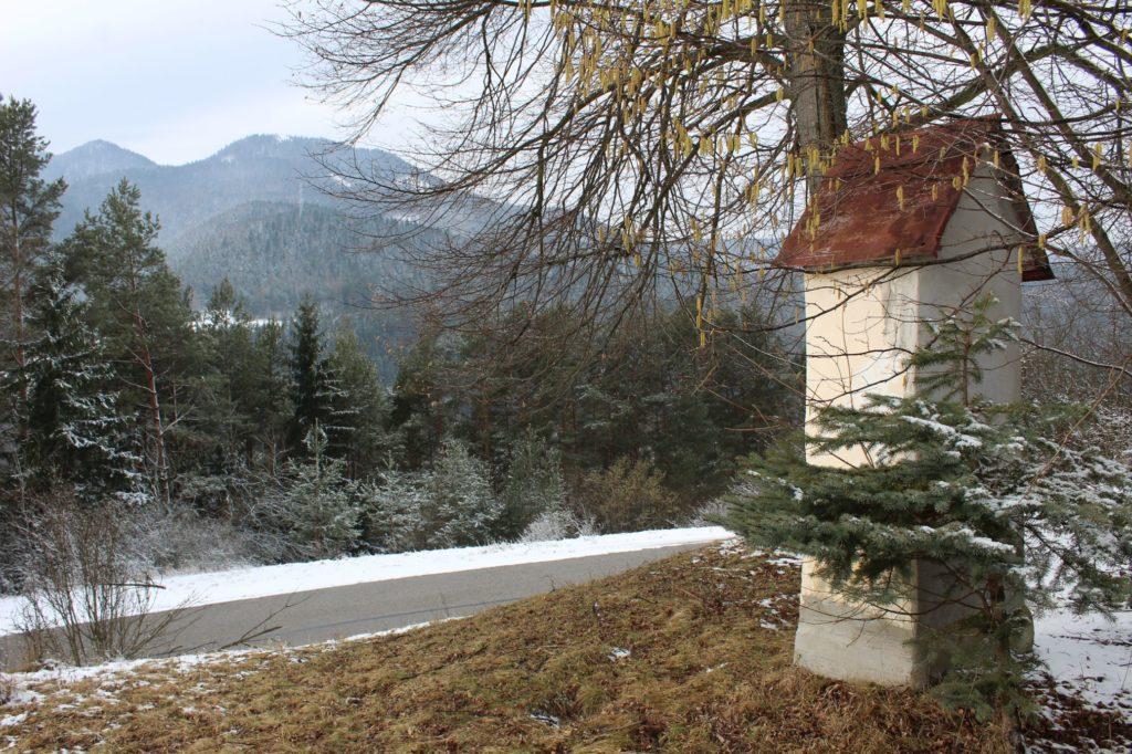 Kaplnka sv. Jozefa Hrboltová, pod hradiskom 04