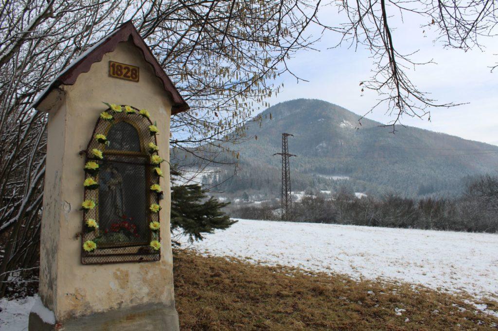 Kaplnka sv. Jozefa Hrboltová, pod hradiskom 05