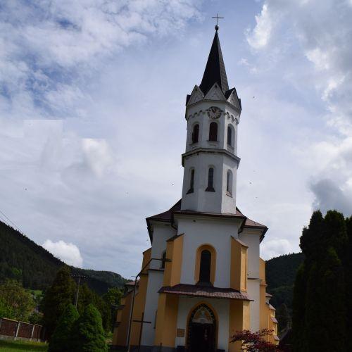 Kostol Božského srdca Ježišovho v Stankovanoch