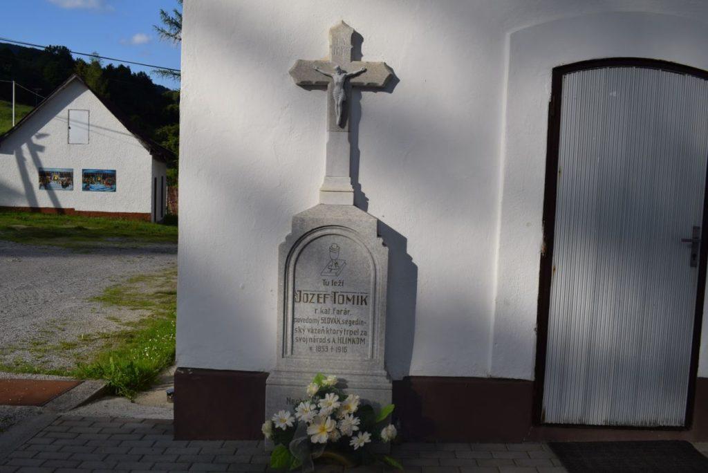 Kostol Obetovania Pána v Liptovských Revúcach 03
