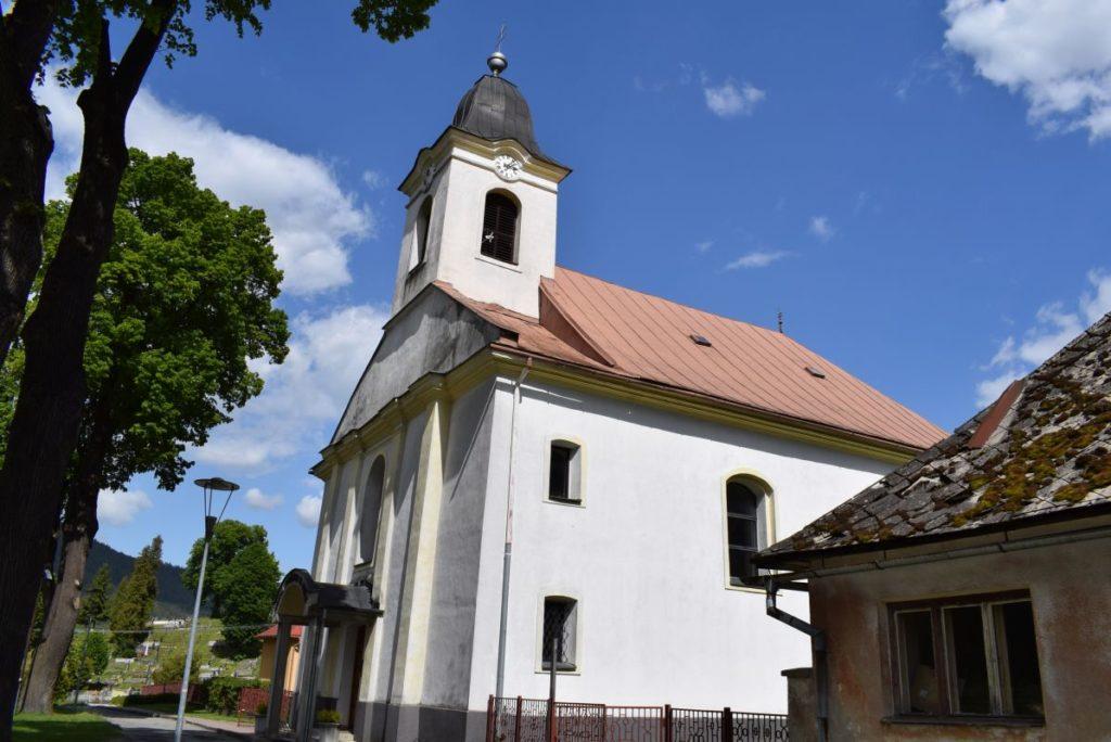 Kostol Povýšenia sv. Kríža v Hubovej 01