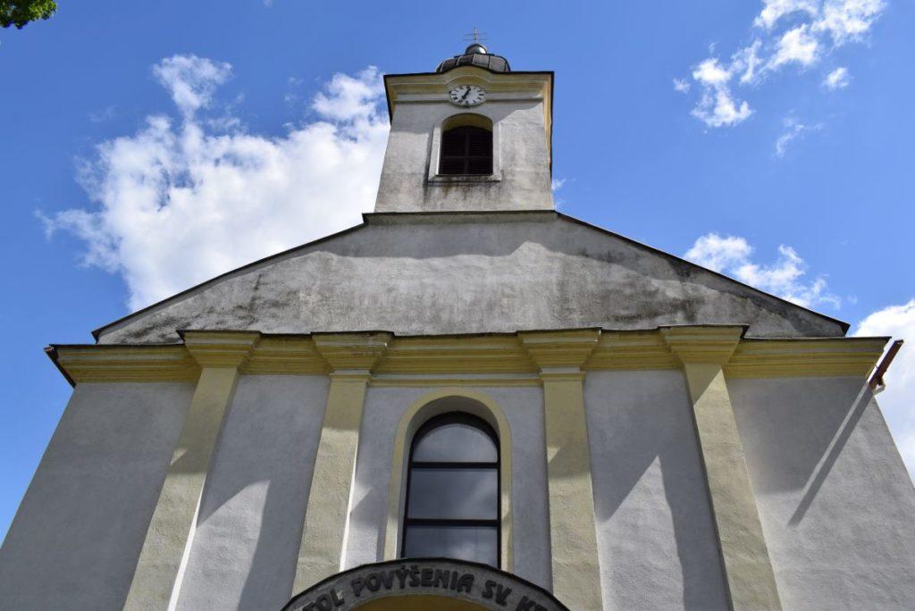 Kostol Povýšenia sv. Kríža v Hubovej 10