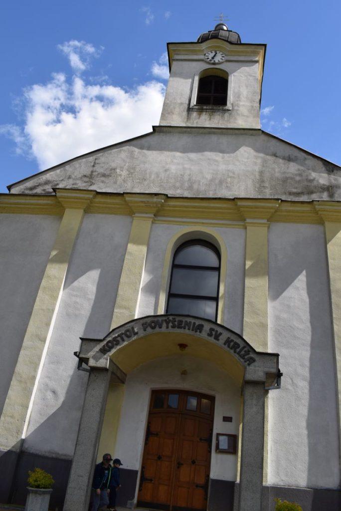 Kostol Povýšenia sv. Kríža v Hubovej 12