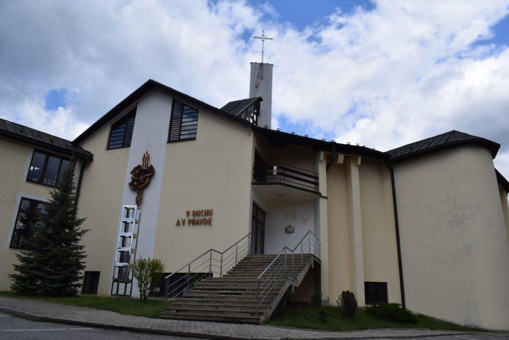 Kostol Sedembolestnej Panny Márie v Švošove 01