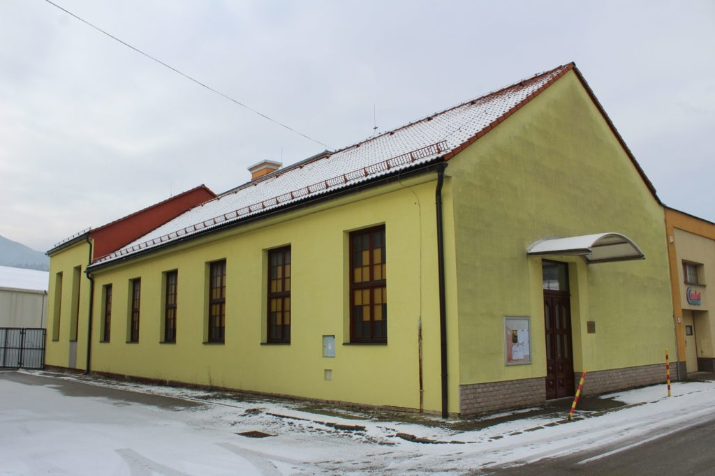 Kostol Svätej Rodiny v Ružomberku - Rybárpoli 01