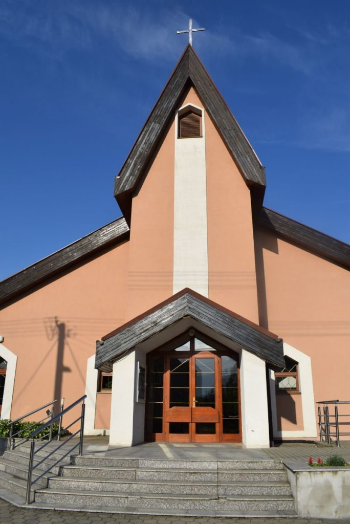 Kostol Svätej rodiny v Štiavničke 03