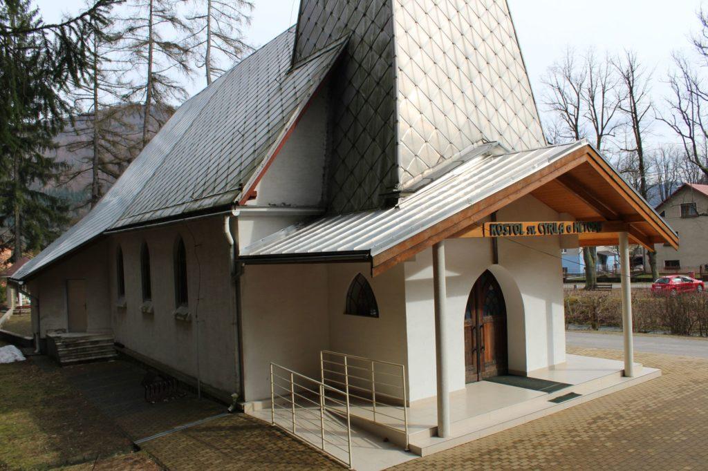 Kostol sv. Cyrila a Metoda v Ľubochni 03