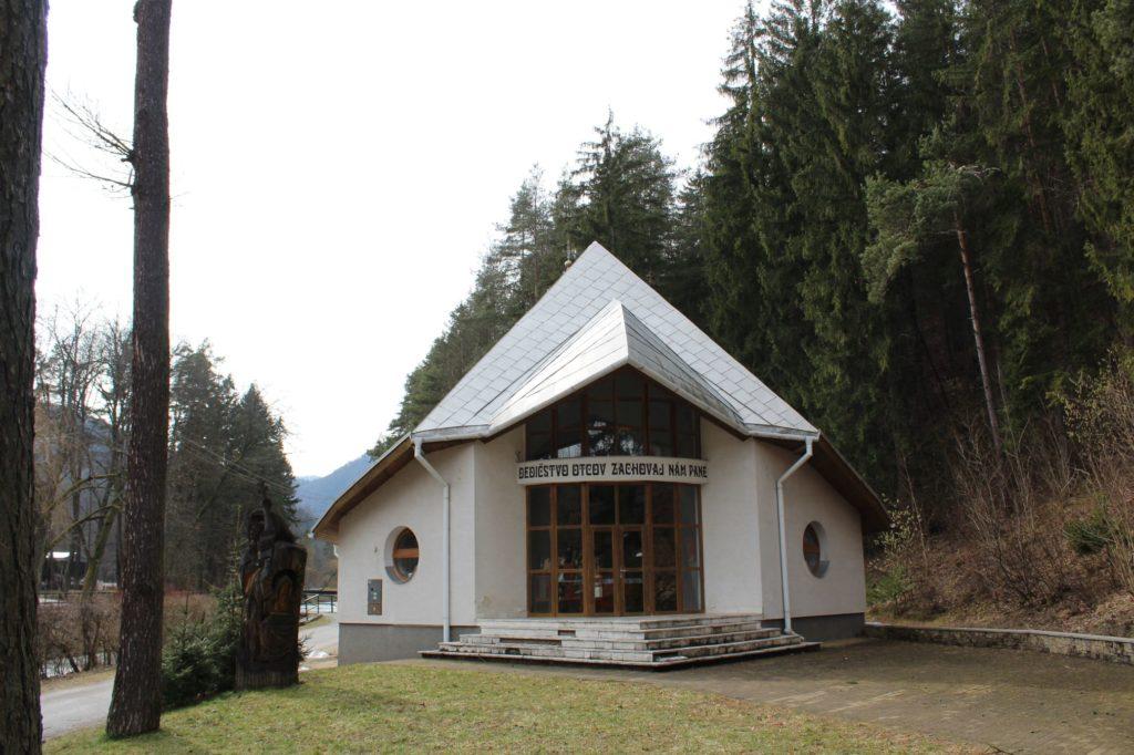 Kostol sv. Cyrila a Metoda v Ľubochni 06
