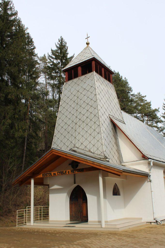 Kostol sv. Cyrila a Metoda v Ľubochni 13