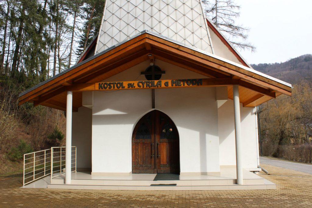 Kostol sv. Cyrila a Metoda v Ľubochni 14