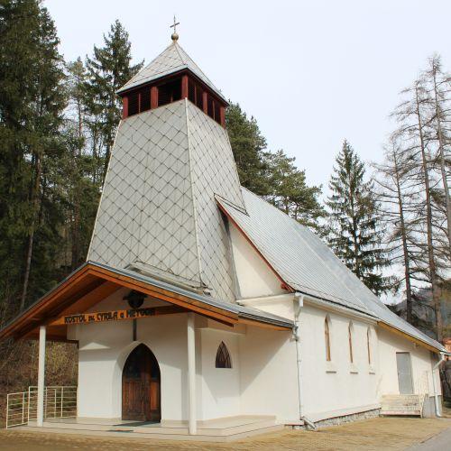 Kostol sv. Cyrila a Metoda v Ľubochni