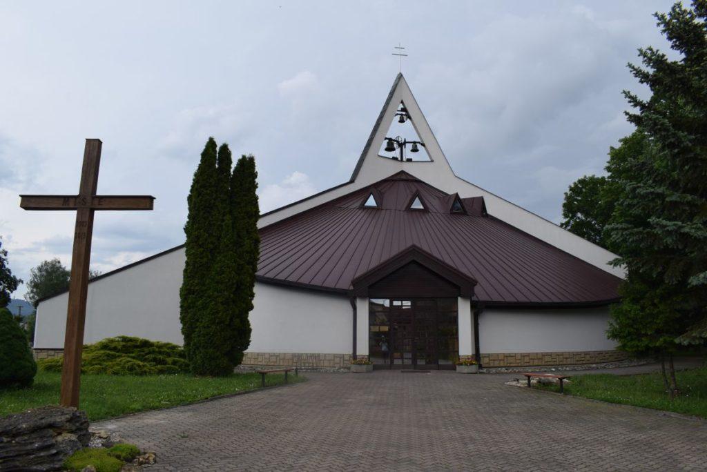 Kostol sv. Cyrila a Metoda v Ivachnovej 02