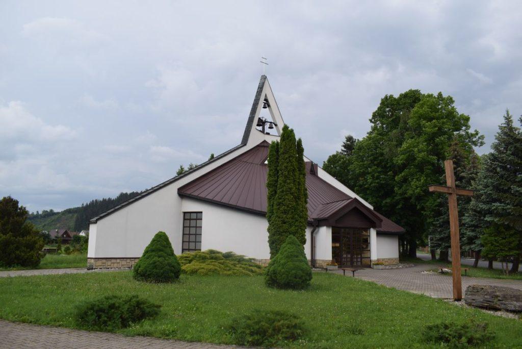 Kostol sv. Cyrila a Metoda v Ivachnovej 03