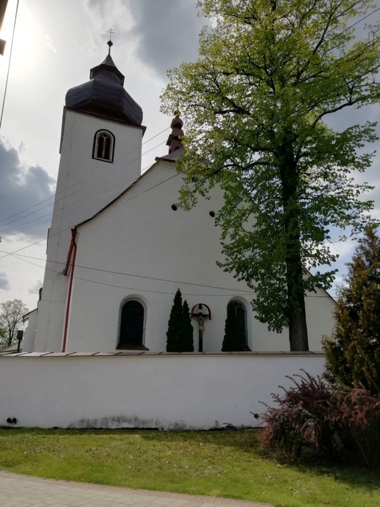 Kostol sv. Filipa a Jakuba v Liptovskej Teplej 01
