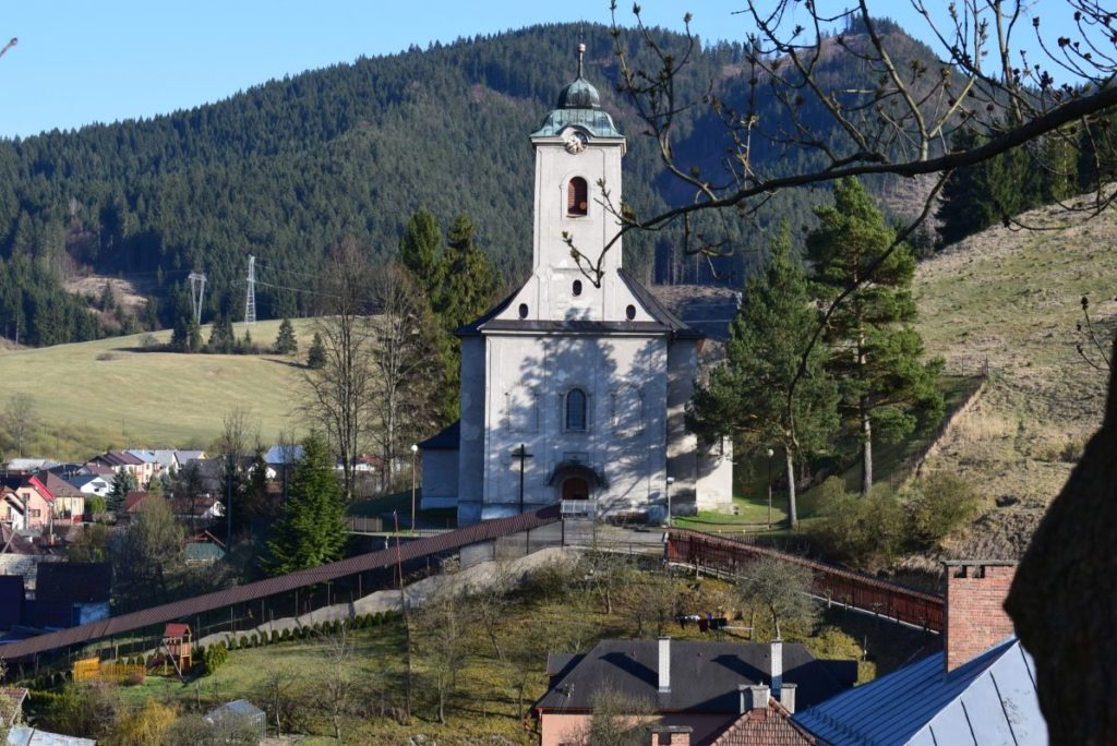 Kostol všetkých svätých v Ludrovej 01