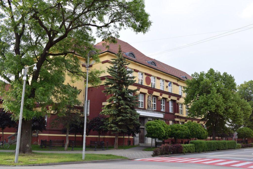 Škola na Dončovej ulici 07