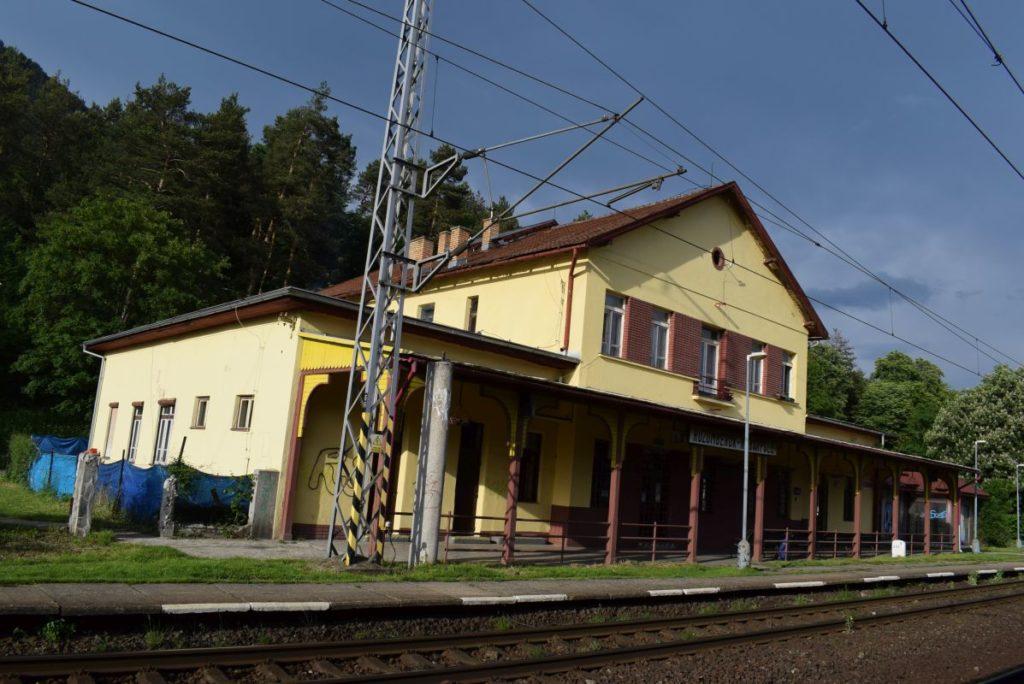 Železničná zastávka Ružomberok - Rybárpole 02