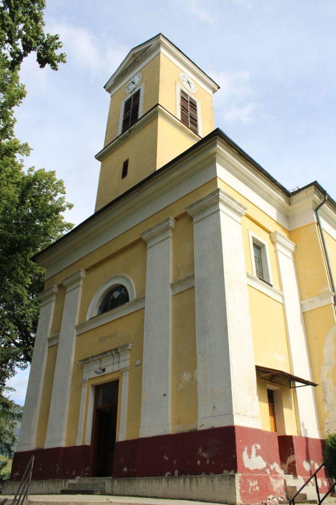 Kostol Najsvätejšej Trojice v Liptovskej Lúžnej 01