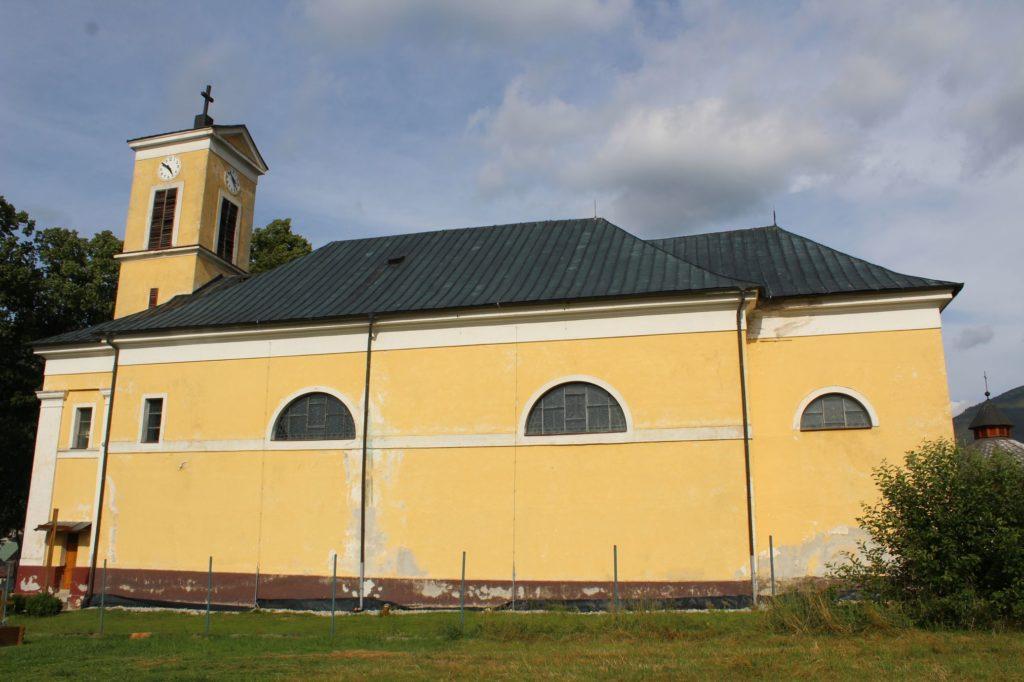 Kostol Najsvätejšej Trojice v Liptovskej Lúžnej 16