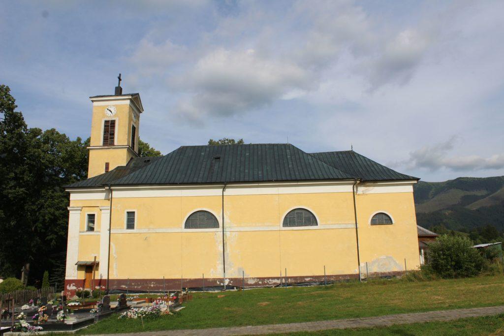 Kostol Najsvätejšej Trojice v Liptovskej Lúžnej 17