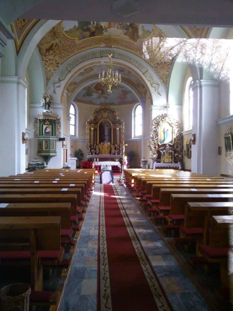 Kostol sv. Michala Archanjela vo Valaskej Dubovej 01