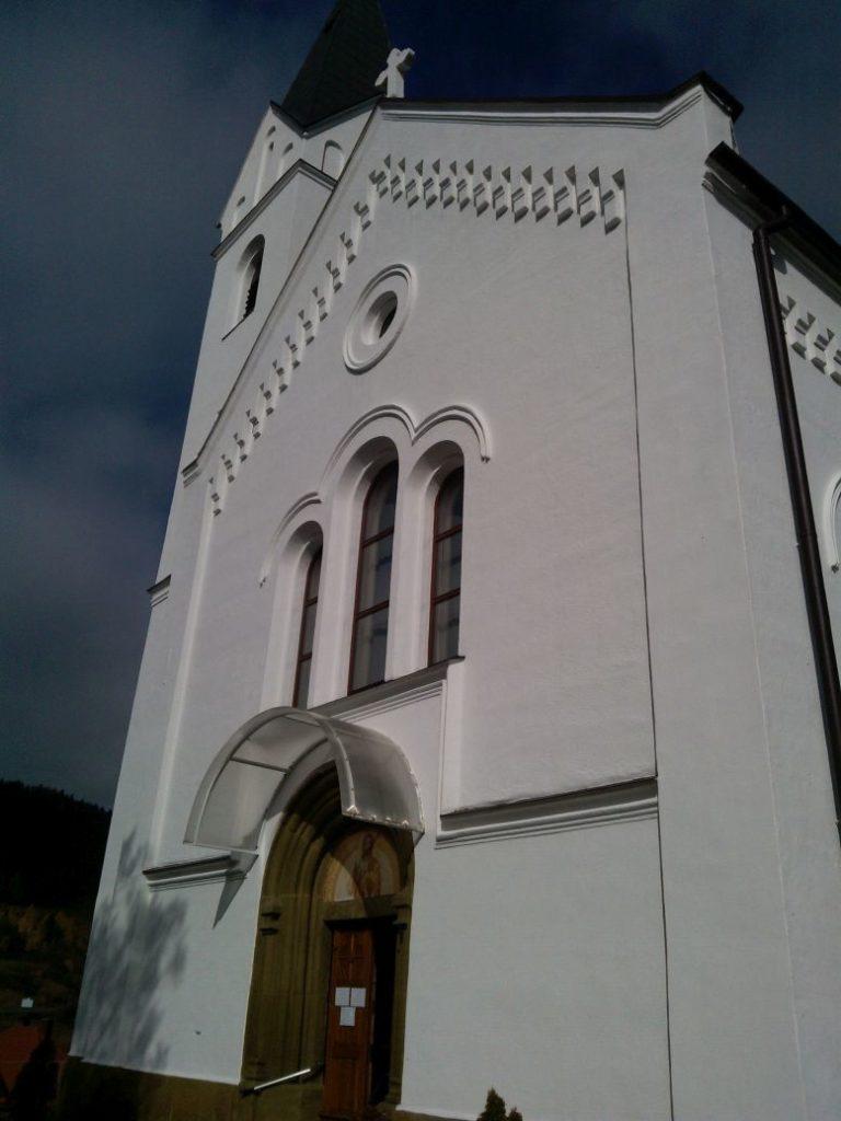 Kostol sv. Michala Archanjela vo Valaskej Dubovej 03