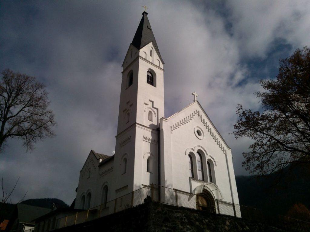 Kostol sv. Michala Archanjela vo Valaskej Dubovej 08