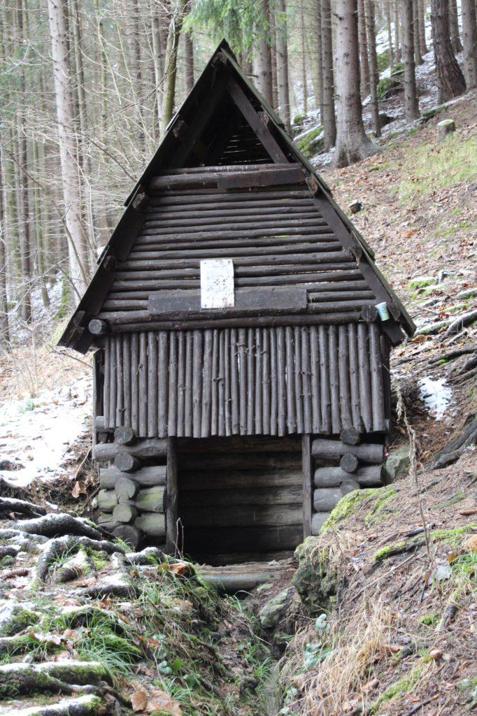 Minerálny prameň Medokýš, Ružomberok - Hrboltová 03