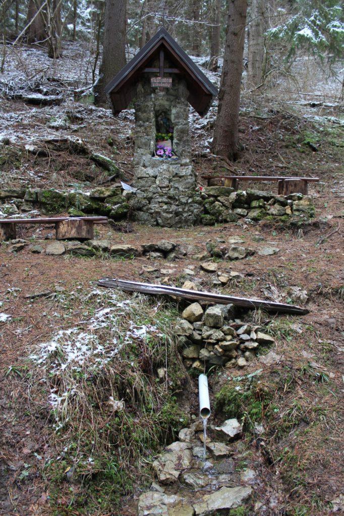 Prameň pri kaplnke svätého Antona Paduánskeho, Lúčky 03