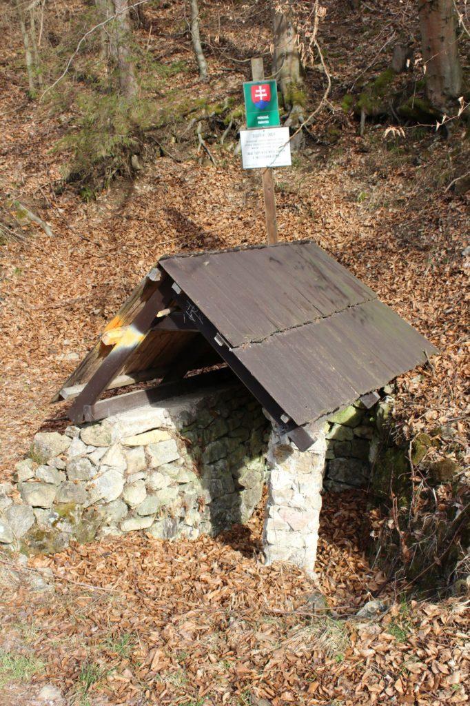 Studnička pod Dogerskými skalami, Ružomberok - Biely Potok 01