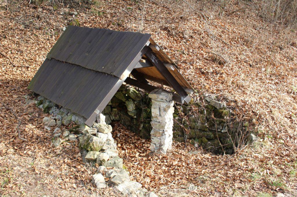 Studnička pod Dogerskými skalami, Ružomberok - Biely Potok 02