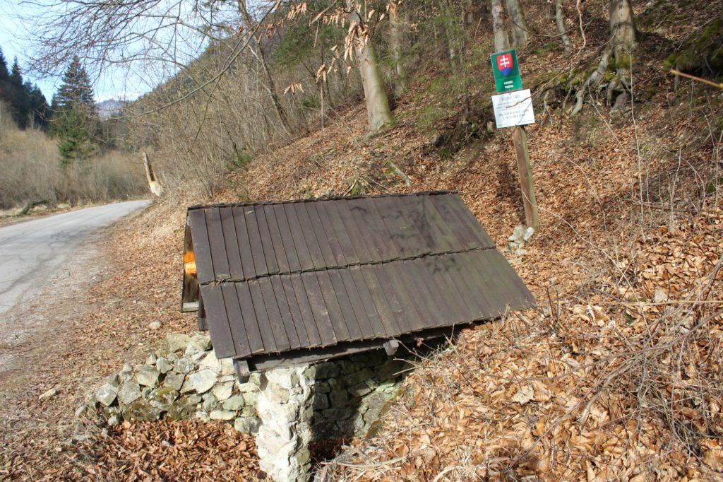 Studnička pod Dogerskými skalami, Ružomberok - Biely Potok 03