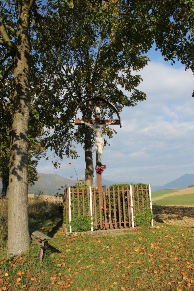 Kríž Komjatná, Hôrka 02