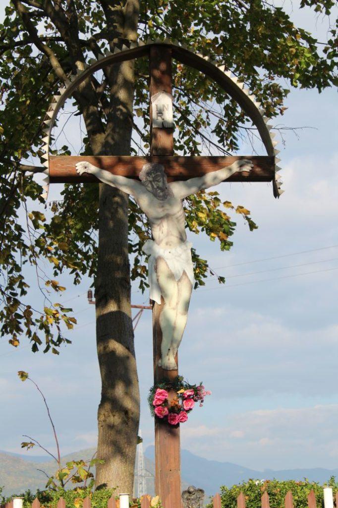 Kríž Komjatná, Hôrka 03